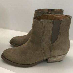 Tan nine west high ankle boots